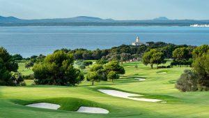 Beach clubs para una boda cerquita del mar y la playa en Mallorca